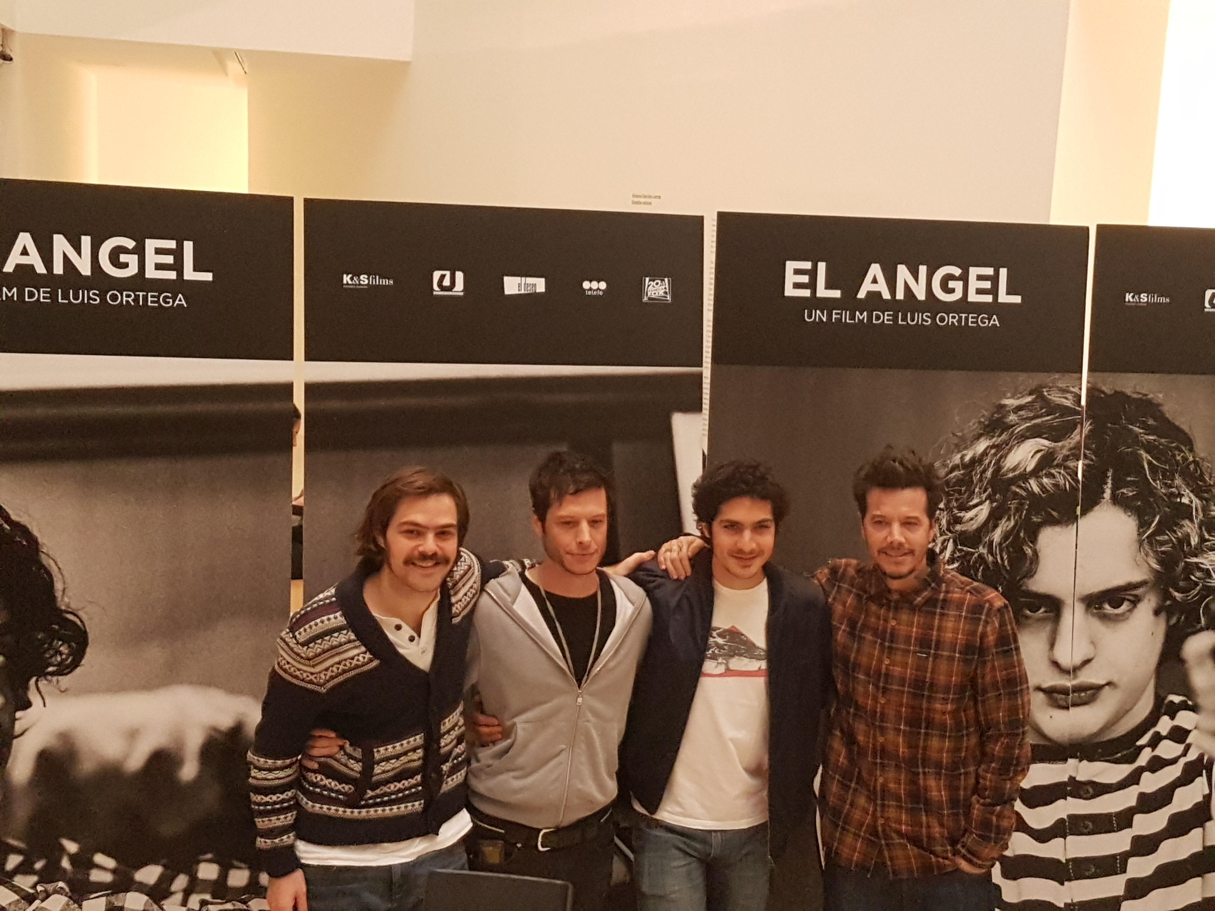 El director Luis Ortega junto con los actores Peter Lanzani, el Chino Darín y su hermano, el productor Sebastián.