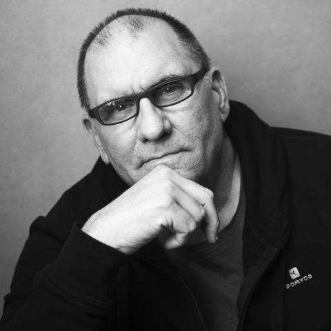 """Iván Giroud presidente del Festival de Cine Habana lanza su libro:""""El pretexto de la memoria"""""""